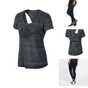 Nike Set-Pro Leggings And Tank